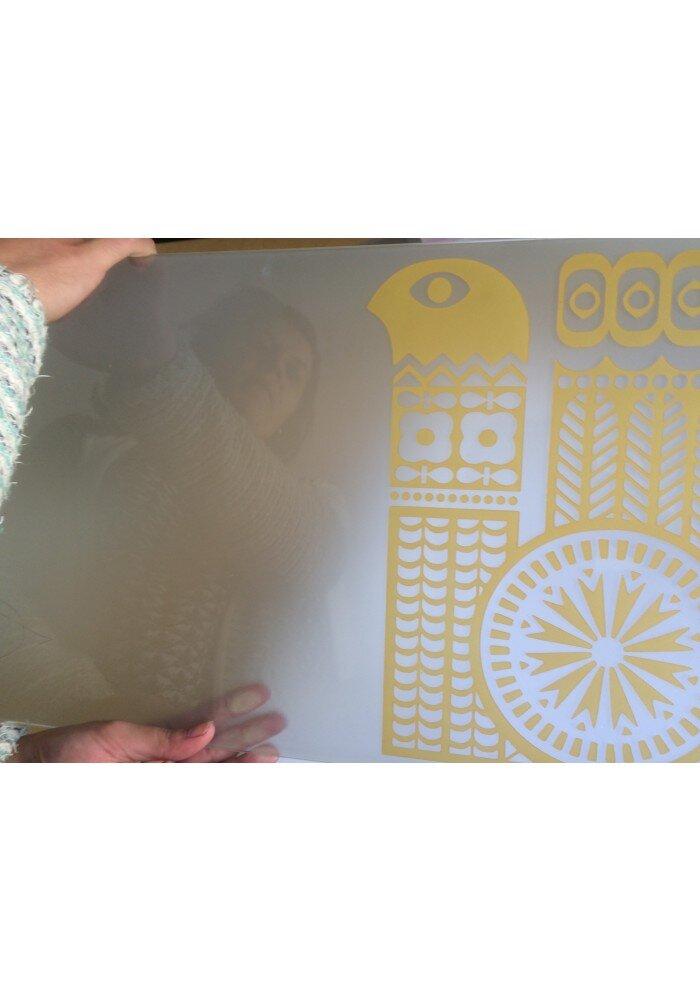 Phi-Phi contur galben